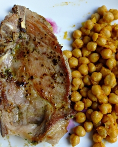 Chuletas garbanzos fritos D