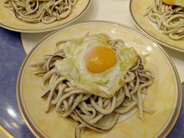 Platillo gulas huevo codorniz 2