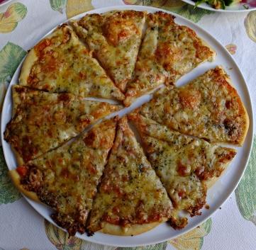 Pizza cuatro quesos 4