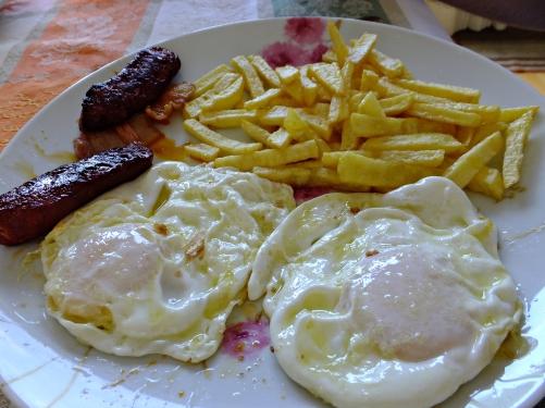 Huevos fritos chorizo 16