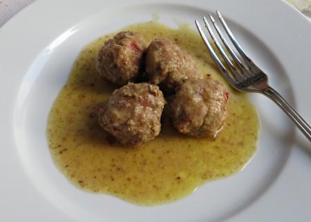 Albóndigas salsa 1
