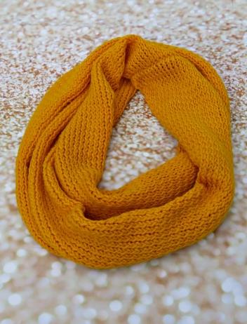 Bufanda tubular amarilla 1