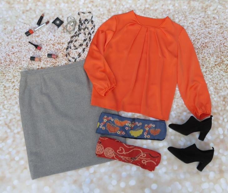 Falda gris blusa naranja 2