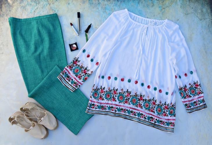 Blusón blanco bordado pantalón verde 1
