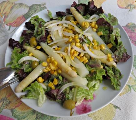 Ensalada lechuga espárragos maíz 1